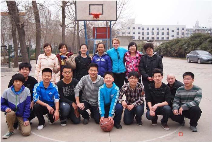 篮球比赛合影