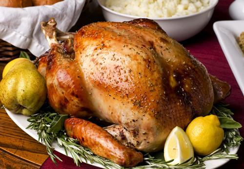 充满趣味的感恩节知识,满载欢乐的游戏互动,飘香四溢的美食,真挚的祝福,都是英思力感恩节最温暖的组成!